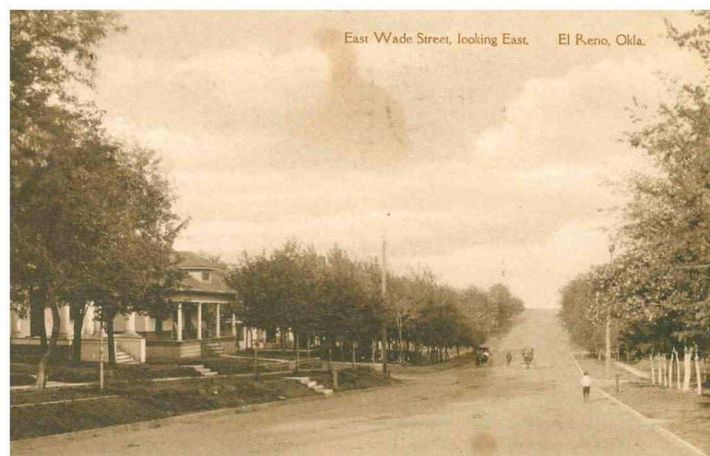315 E Wade Postmarked September 24 1918 E Wade looking East