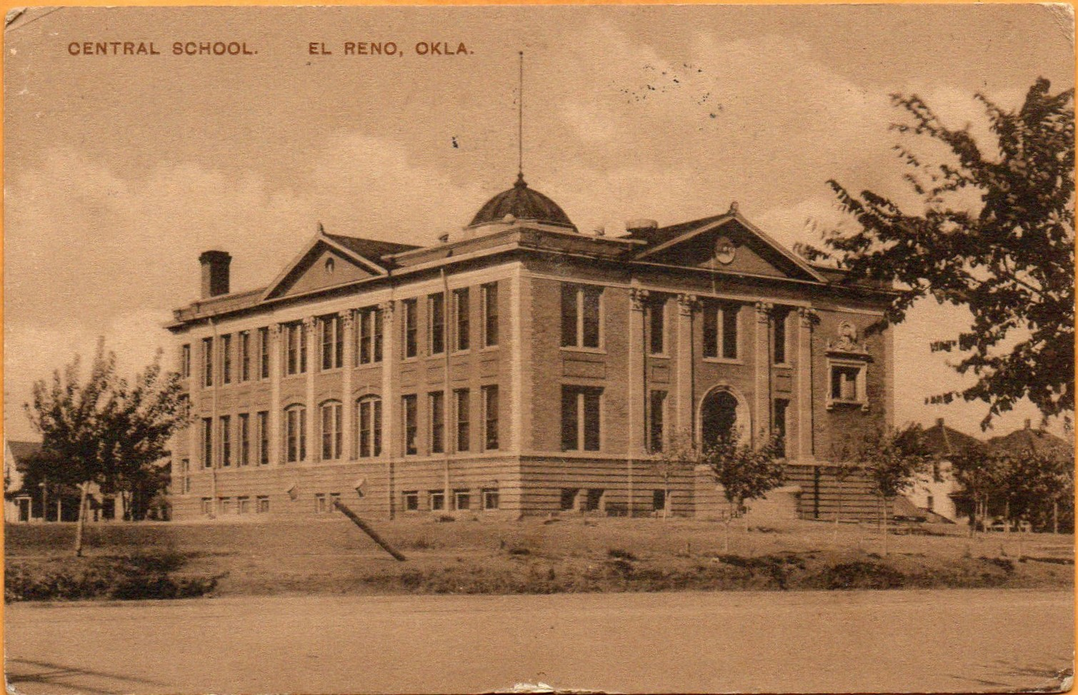 Central School 1914 Front Tommy Neathery Collection